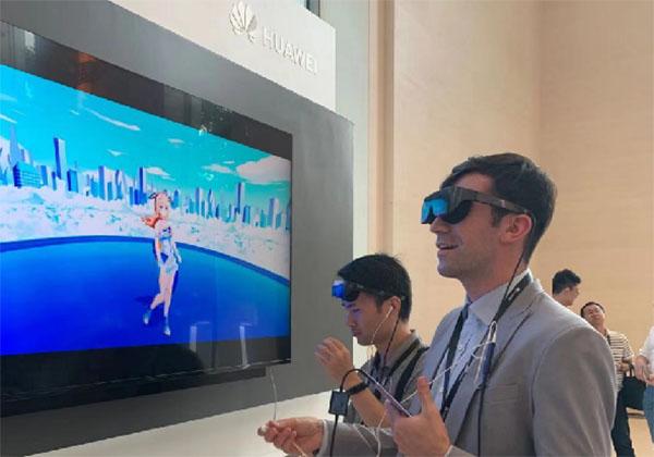 2019华为发布会 全国首个5G+VR二次元偶像..